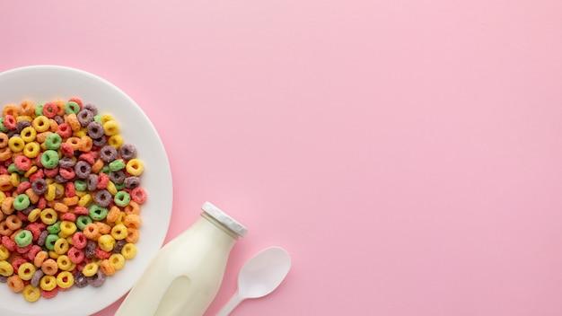 Vista superior delicioso cereal com espaço de cópia