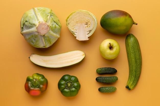 Vista superior deliciosos vegetais e frutas