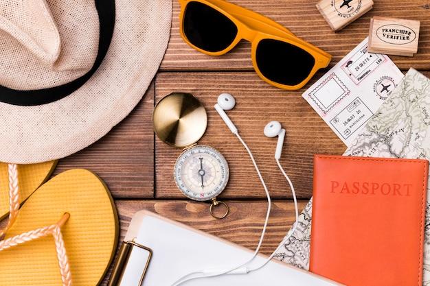 Vista superior dia mundial do turismo acessórios