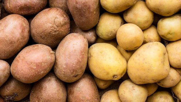 Vista superior diferentes tipos de batatas