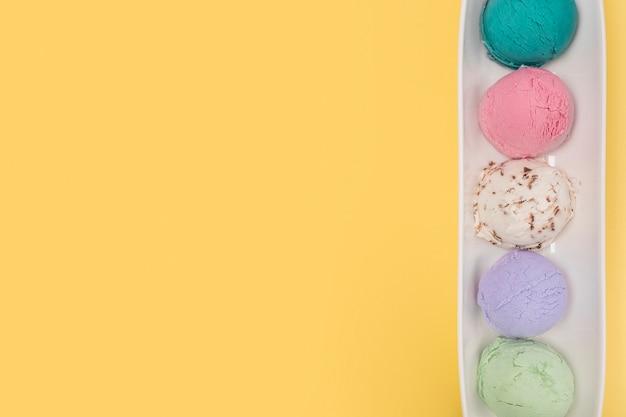 Vista superior diferentes tipos de sorvete