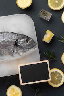 Vista superior do arranjo de alimentos congelados saudáveis