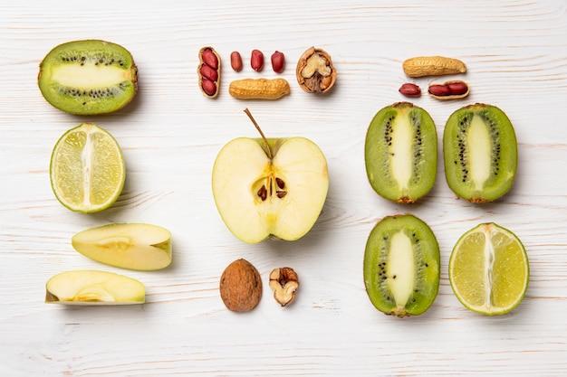 Vista superior do arranjo de frutas deliciosas