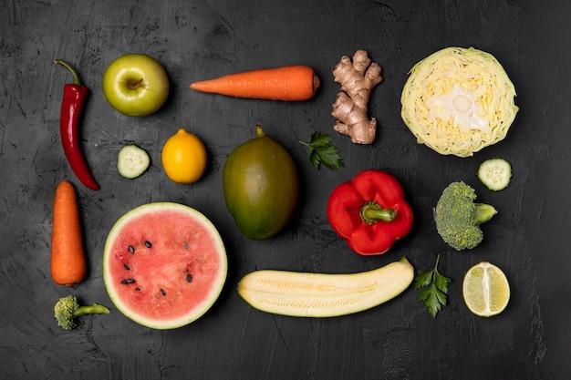 Vista superior do arranjo de frutas e legumes