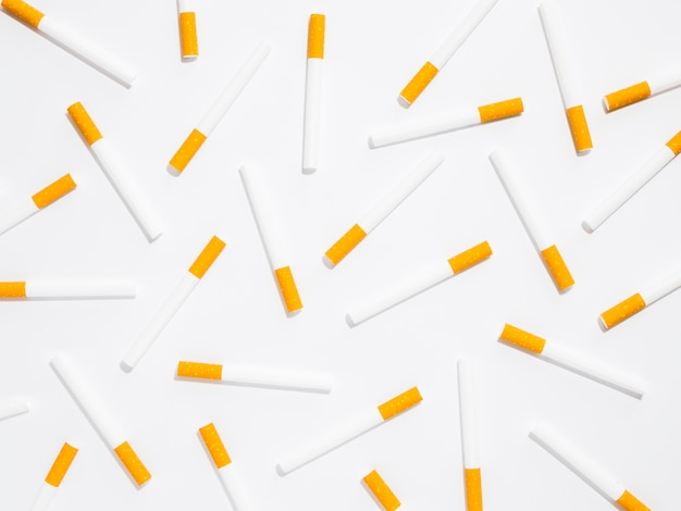 Vista superior do arranjo de mau hábito de cigarro