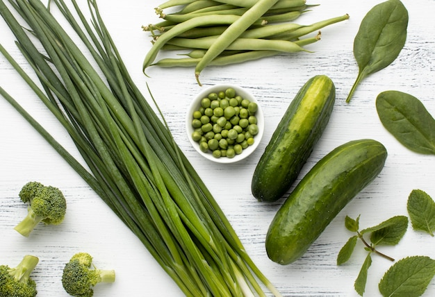 Vista superior do arranjo de vegetais verdes