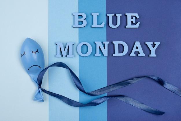 Vista superior do balão triste para segunda-feira azul