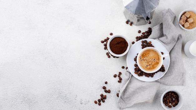 Vista superior do café com espaço de cópia