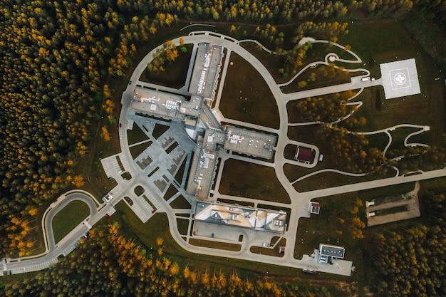 Vista superior do centro médico em zhdanovichi
