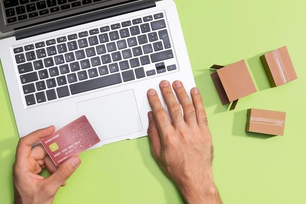 Vista superior do conceito de compras online