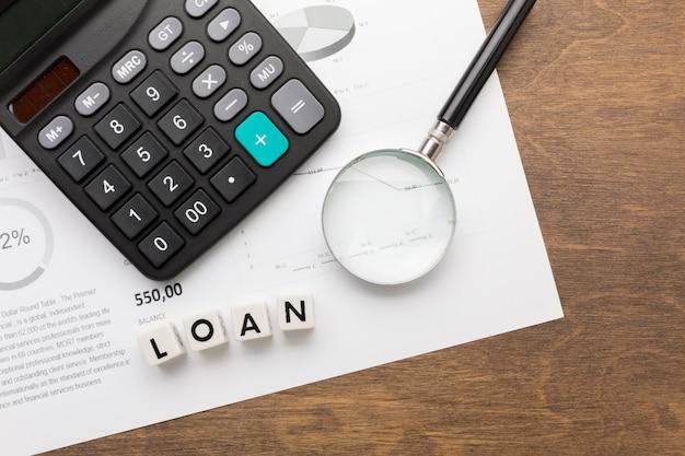 Vista superior do conceito de empréstimo e impostos