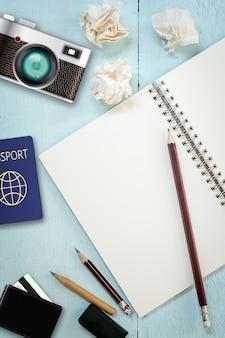 Vista superior do conceito de escrita criativa com lápis