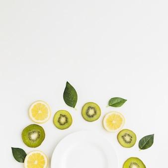 Vista superior do conceito de frutas com espaço de cópia