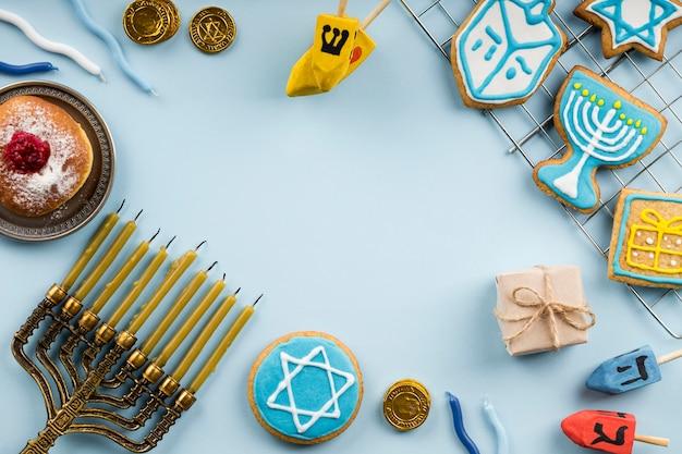 Vista superior do conceito de hanukkah com espaço de cópia