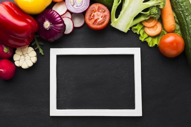 Vista superior do conceito de legumes com espaço de cópia