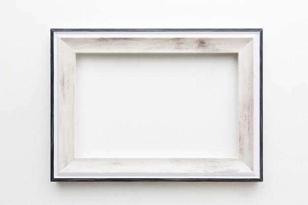 Vista superior do conceito de moldura de madeira bonita