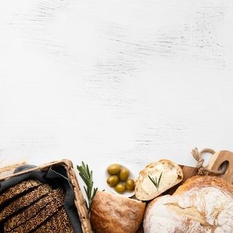 Vista superior do conceito de pão com espaço de cópia