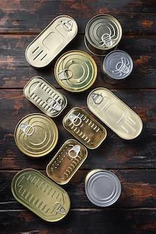 Vista superior do conjunto de latas para comida