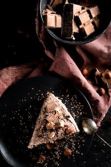 Vista superior do delicioso bolo de chocolate