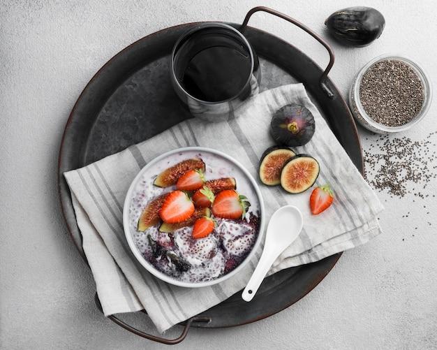 Vista superior do delicioso café da manhã saudável