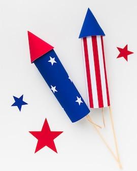 Vista superior do dia da independência de fogos de artifício com estrelas