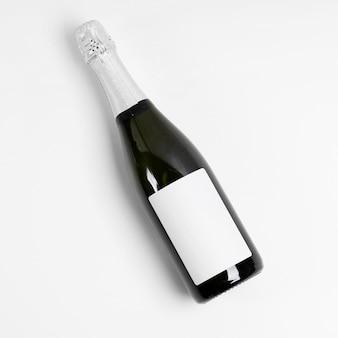 Vista superior do frasco em fundo branco