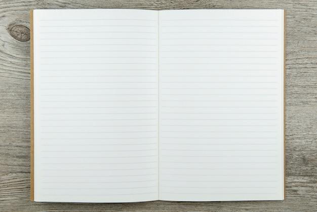 Vista superior do fundo de papel de caderno salvo com caminho