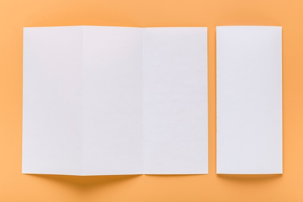 Vista superior do papel do menu em branco