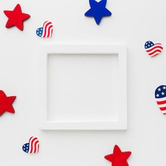 Vista superior do quadro com bandeiras americanas e estrelas