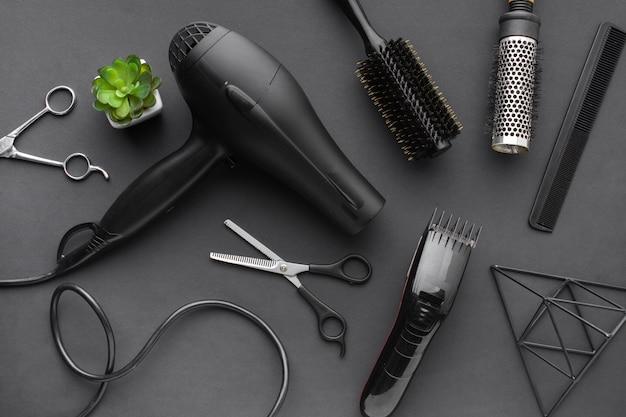 Vista superior do secador de cabelo e aparador