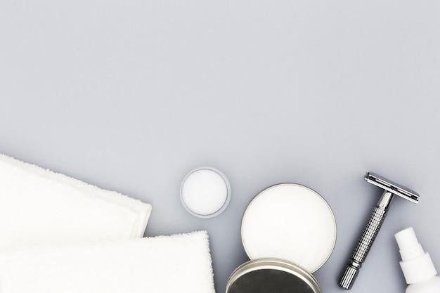 Vista superior dos acessórios do conceito de banho com espaço de cópia