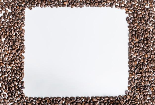 Vista superior dos grãos de café com espaço de cópia
