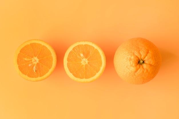 Vista superior em fatias de laranjas