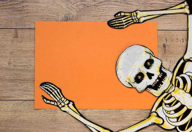 Vista superior esqueleto assustador de halloween