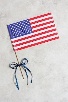 Vista superior eua bandeira com fita