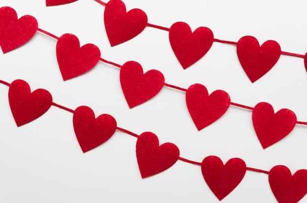 Vista superior formas de coração vermelho decoração