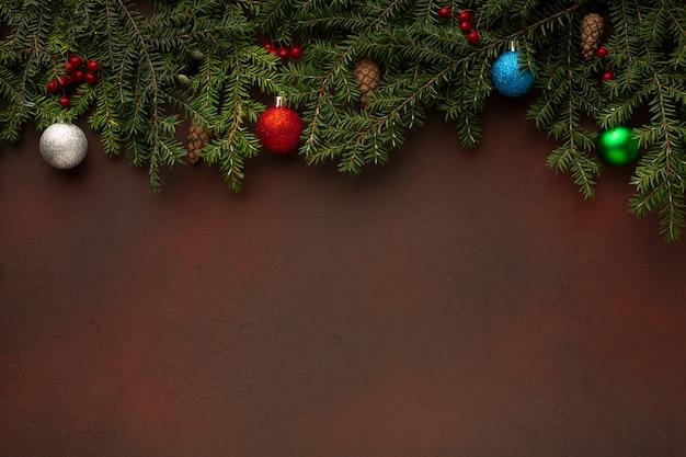 Vista superior galhos de árvores de natal copie o espaço