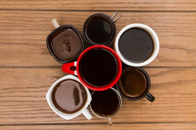 Vista superior grupo de xícaras de café