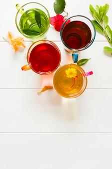 Vista superior grupo de xícaras de chá