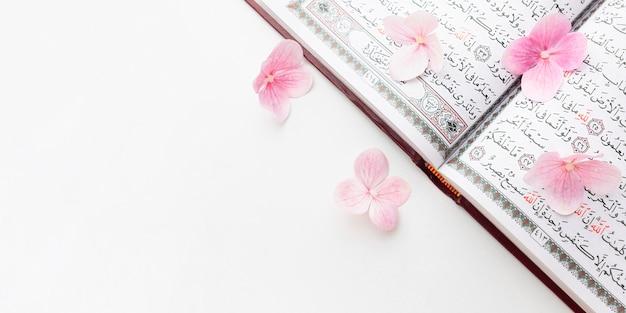 Vista superior islâmica ano novo conceito com espaço de cópia
