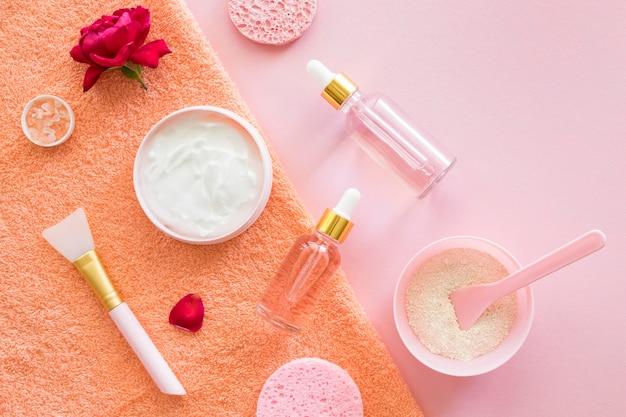 Vista superior, maquiagem, beleza e conceito de spa de saúde