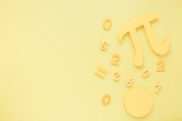 Vista superior matemática e ciência pi símbolo monocromático fundo