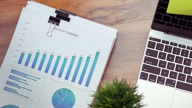 Vista superior, mesa de negócios com um notebook