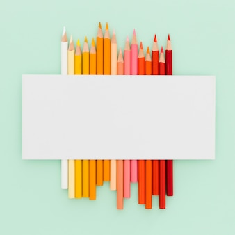 Vista superior monte de lápis coloridos em cima da mesa