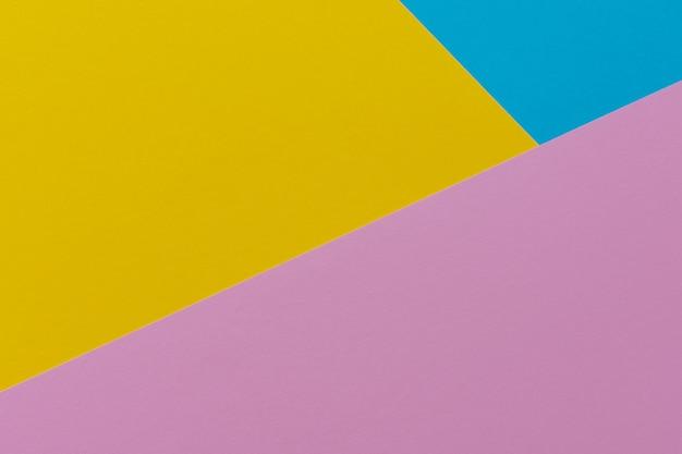 Vista superior na parede colorida brilhante abstrata