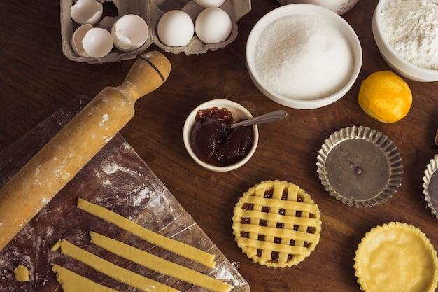 Vista superior preparação de massa de torta