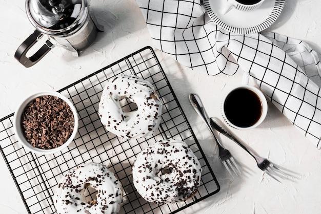 Vista superior saborosos donuts