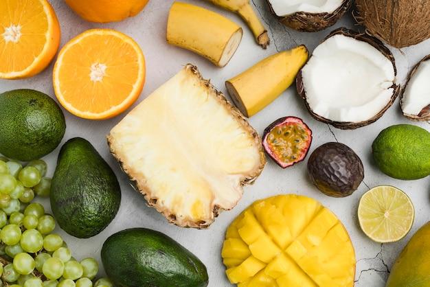 Vista superior seleção de frutas exóticas