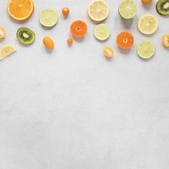 Vista superior seleção de saborosas frutas com espaço de cópia