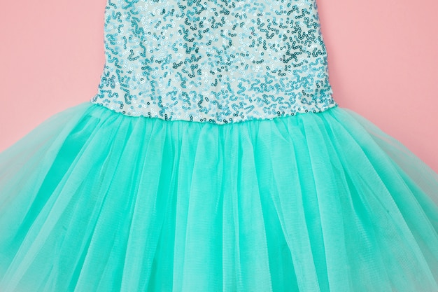 Vista superior sobre o vestido de tutu de balé menina